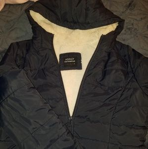 Puffer jacket with sherpa lining